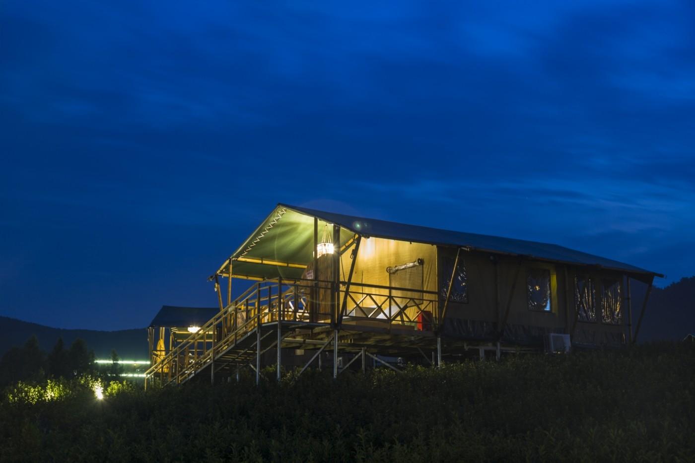 喜马拉雅野奢帐篷酒店—宝盛园夜色1
