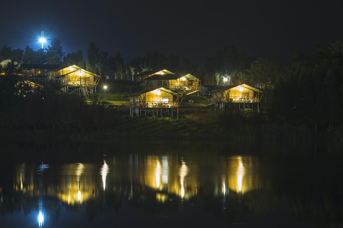 喜马拉雅野奢帐篷酒店—宝盛园夜色17