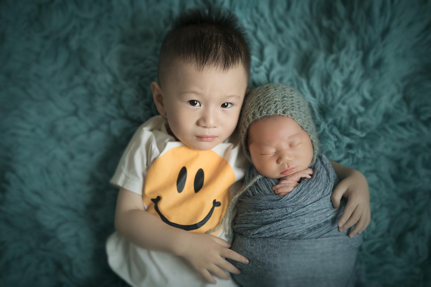 #我有两个帅气的儿子#二宝13天0