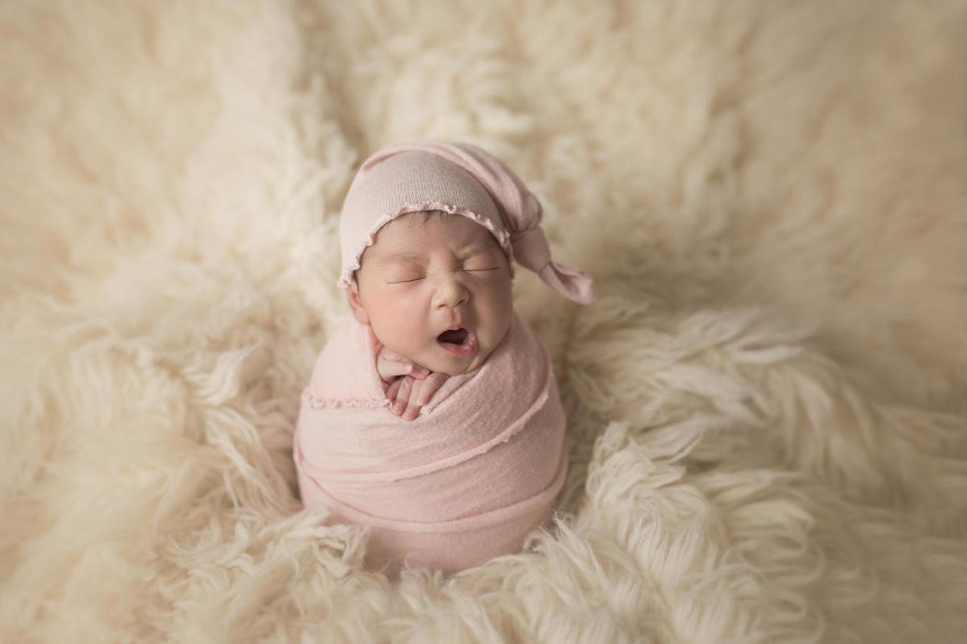#不睡宝宝的表情秀#小美妞0