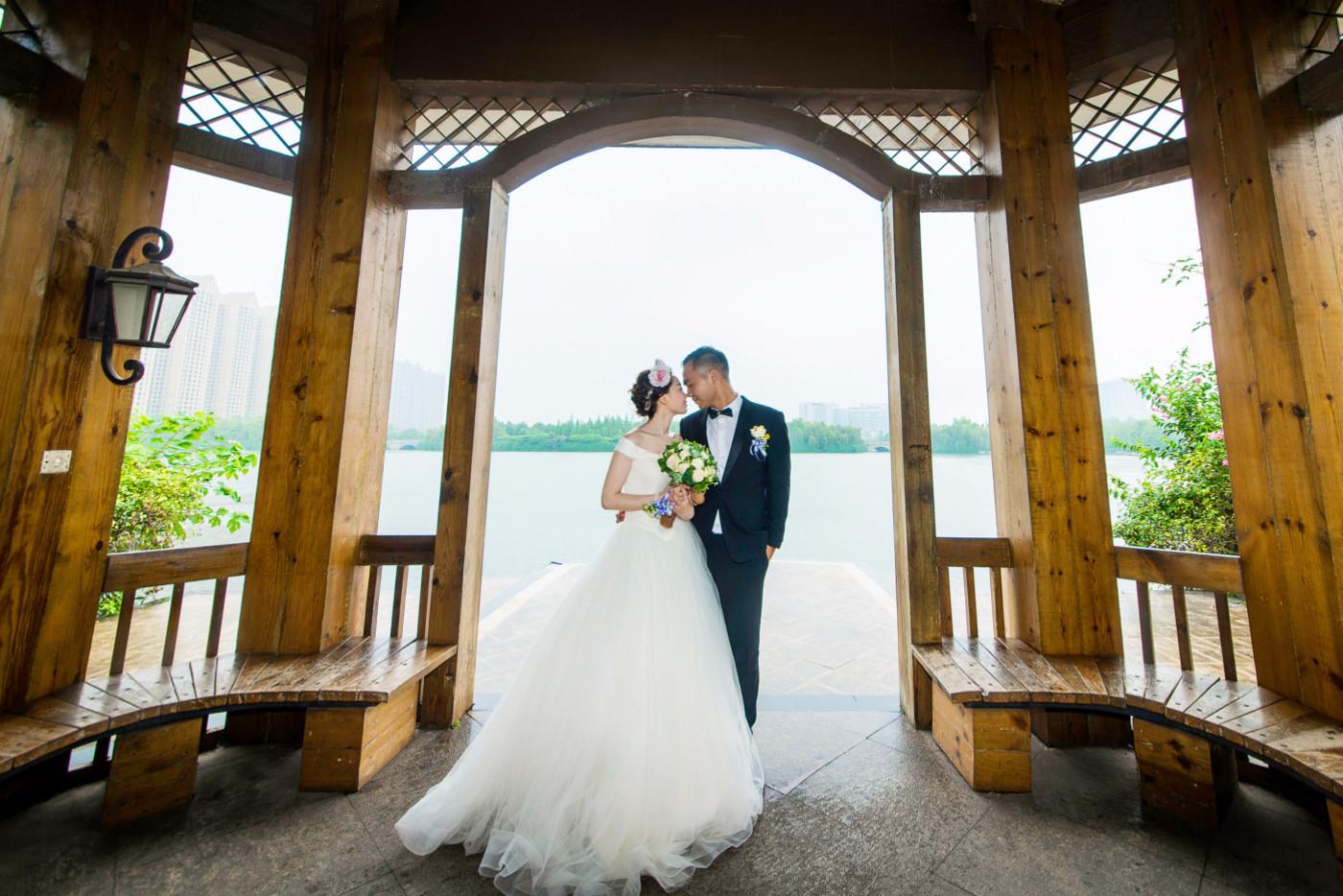 超美的下雨天和教堂婚礼21