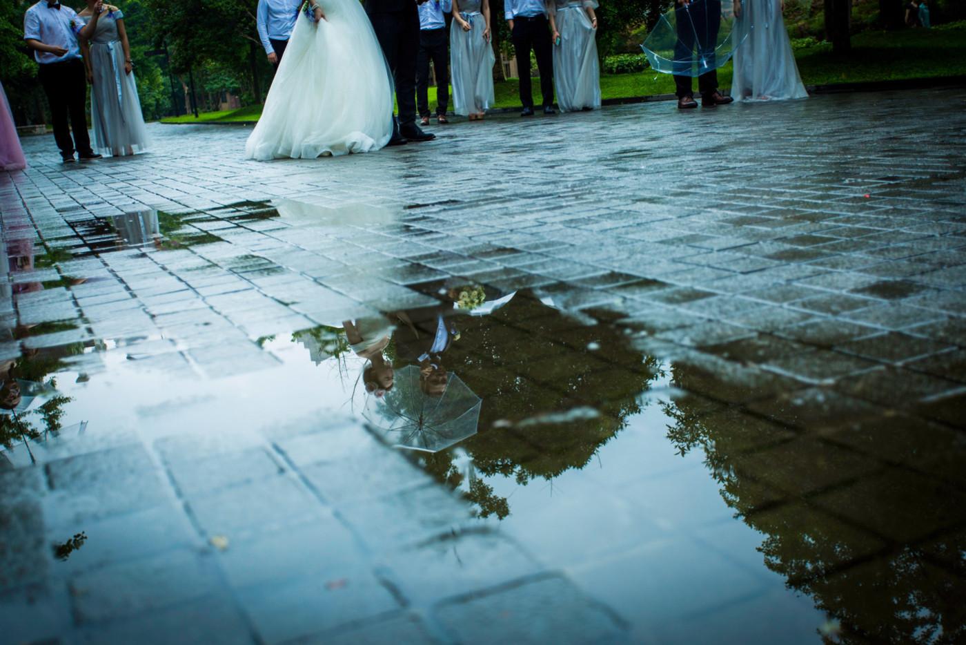 超美的下雨天和教堂婚礼24