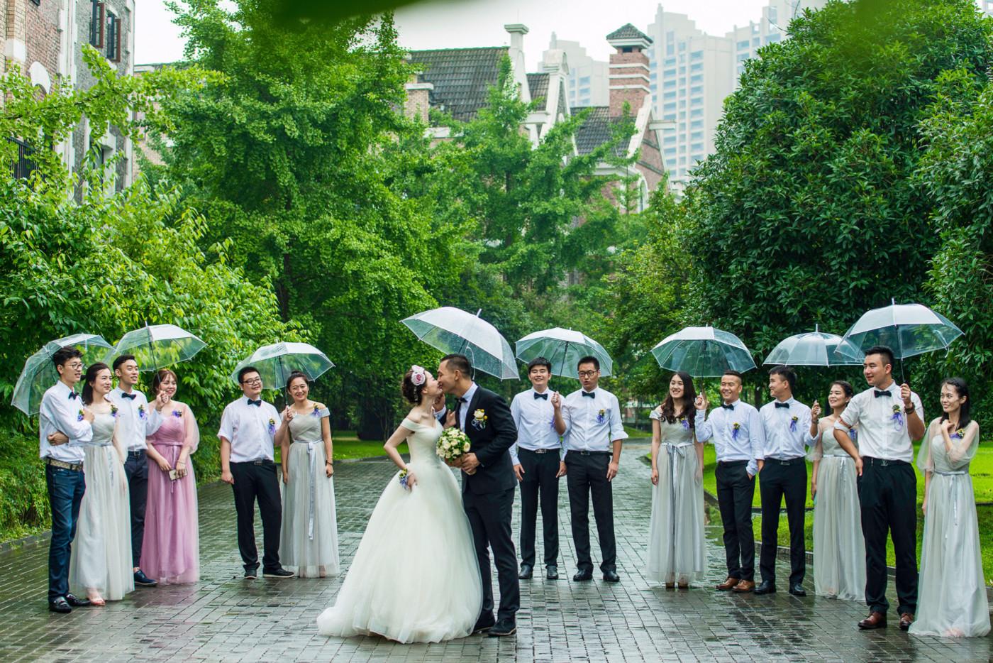 超美的下雨天和教堂婚礼25