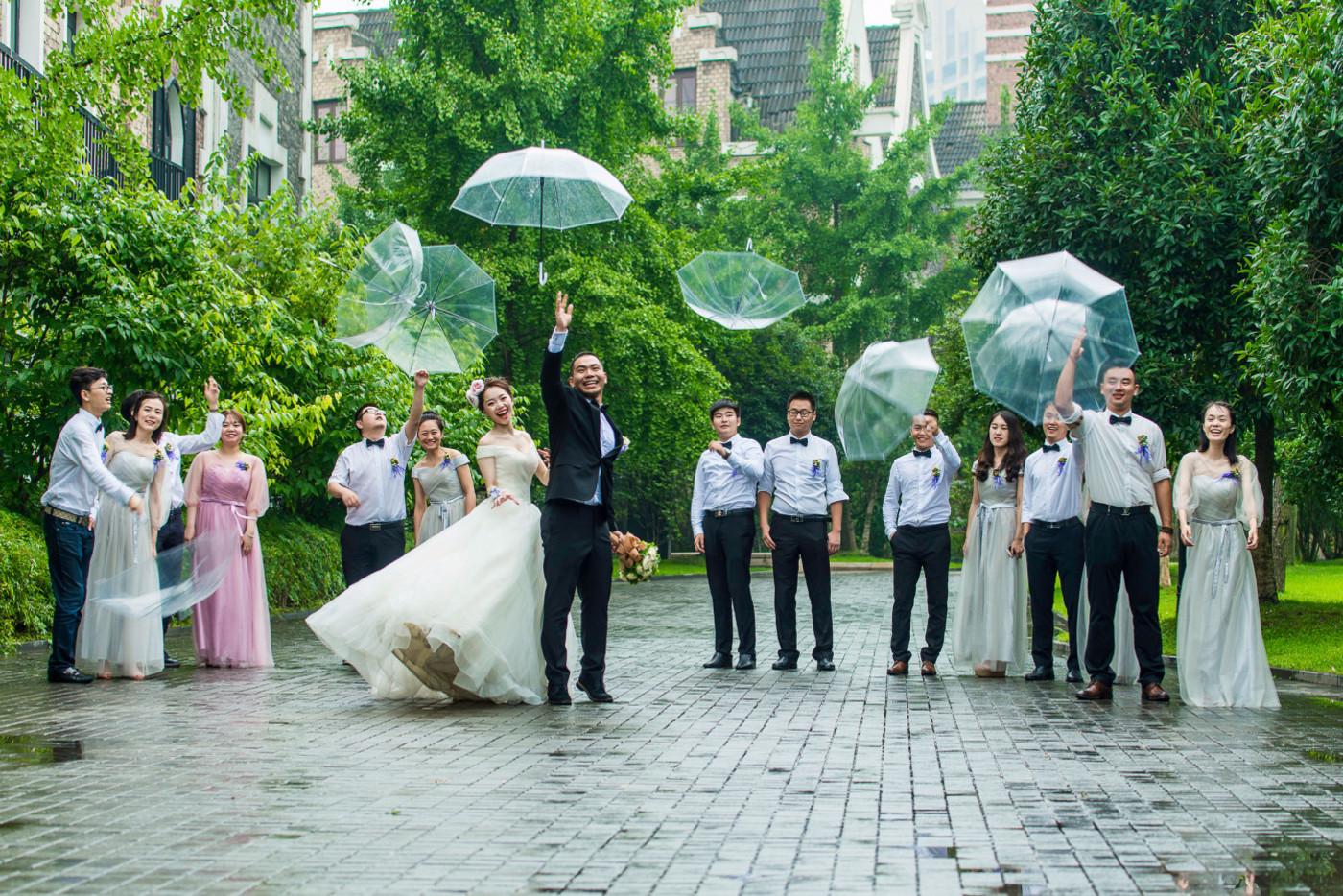 超美的下雨天和教堂婚礼26
