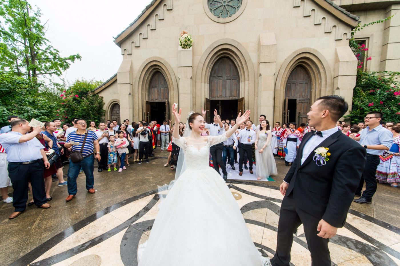 超美的下雨天和教堂婚礼49