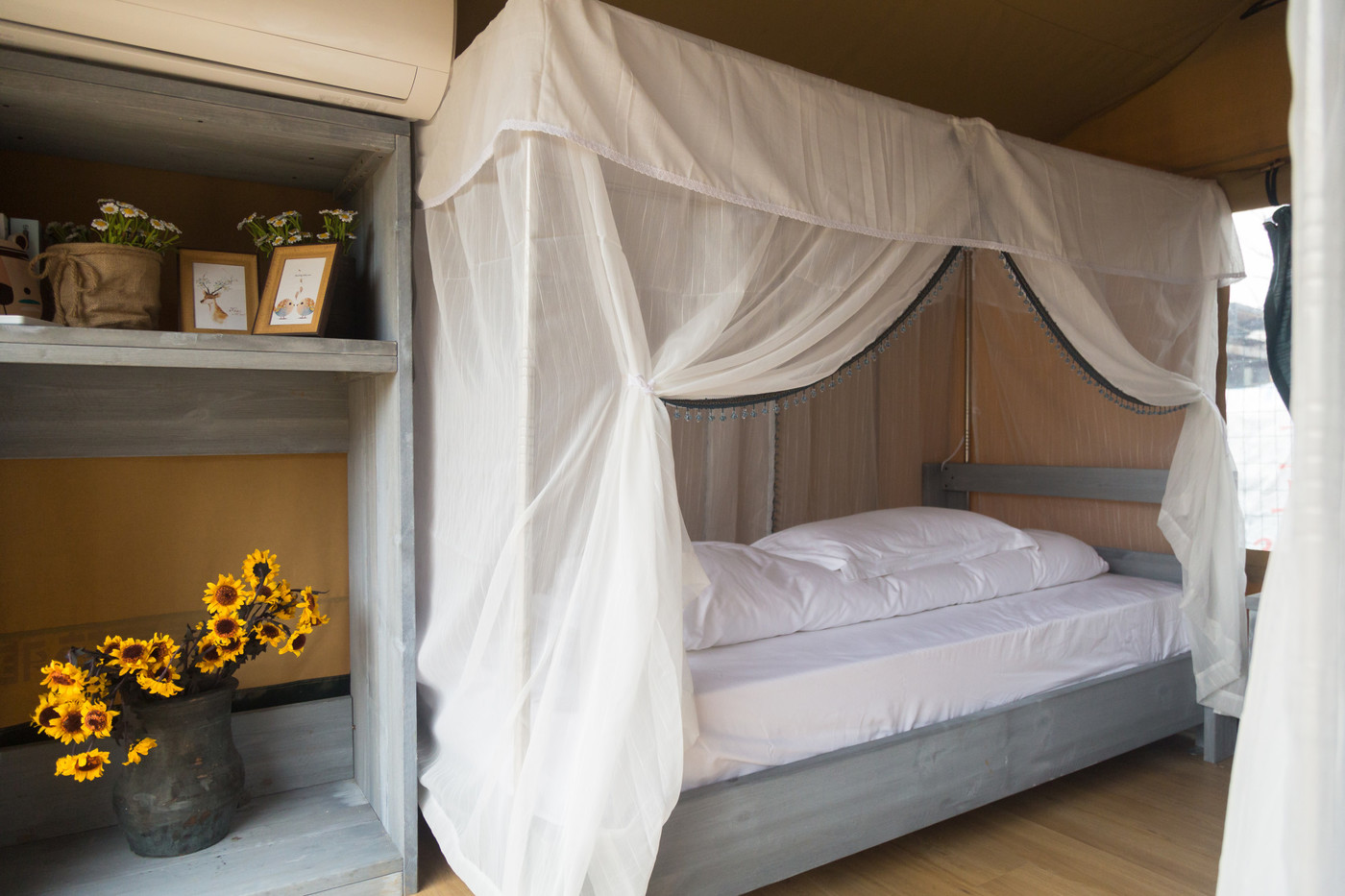 喜马拉雅嘉境林邸子母房奢华帐篷酒店生产厂家,为全球30多个国家提供营地帐篷酒店规划设计制造服务!以下为奢华帐篷酒店图片和视频介绍!34